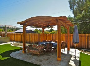 San Jose outdoor dining room with pergola