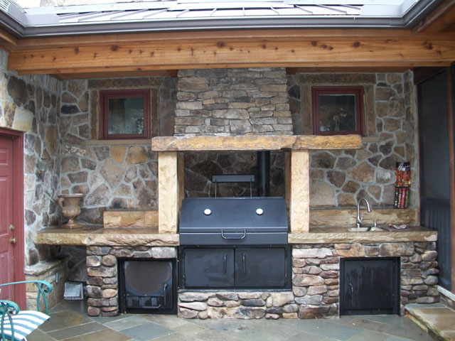 Rustic San Jose Outdoor Kitchen With A Smoker And Sink ...